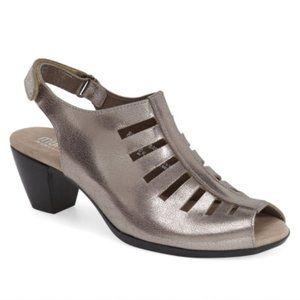 Munro Abby Slingback Sandal Silver Nub Size 7